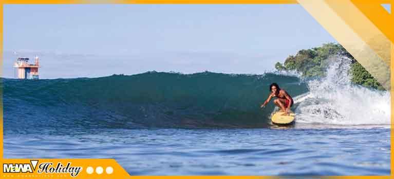 Surfing batu karas pangandaran