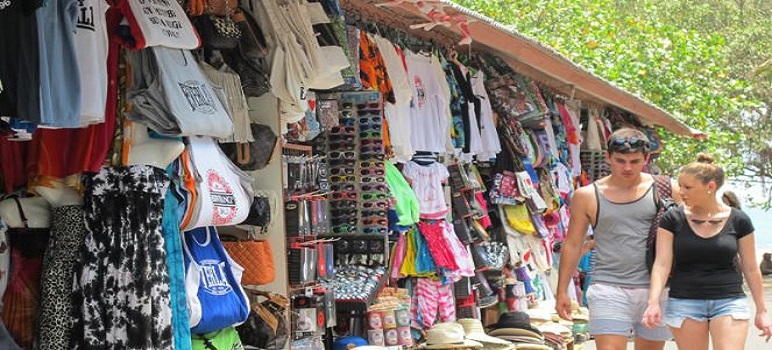Tempat Wisata Belanja di Pantai Kuta Bali