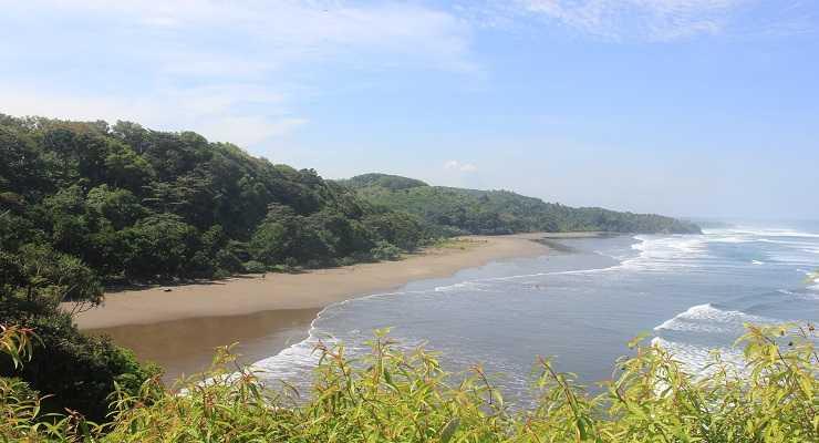 Pesona Keindahan Pantai Karang Nini Pangandaran