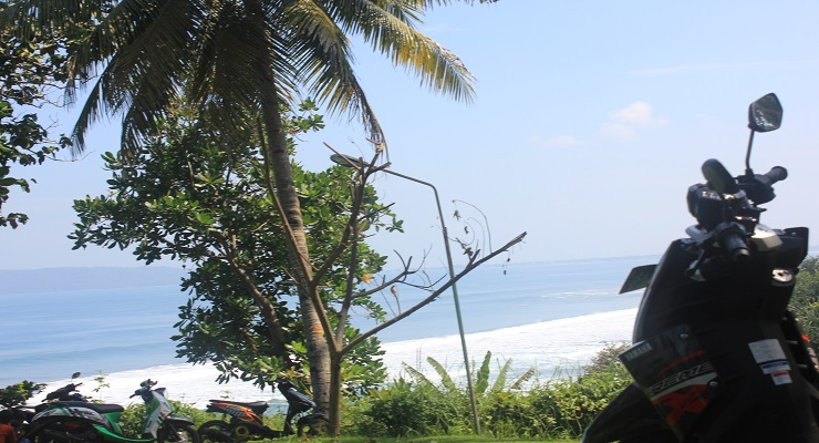 travel-adventure-x-rider-to-karang-nini