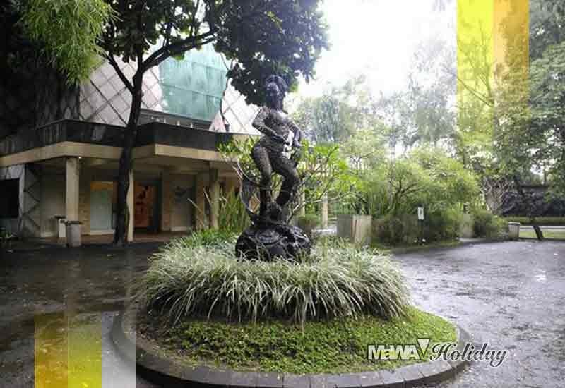 Patung Nuart sculpture
